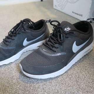 Nike Thea Black Size 39