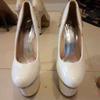 SALE white chanel not ori