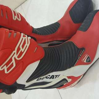 Ducati TCX Catbon Tech boots