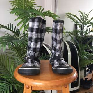 Checked Boots