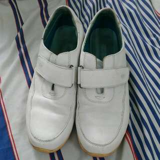 Hush Puppies: Jessica White Leather Size 9 Us