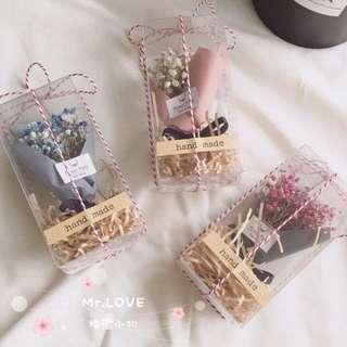 迷你滿天星花束 指尖花束 手作乾燥花 不凋花 裝飾品 婚禮小物 拍照道具 [Mr.LOVE👰🏻]