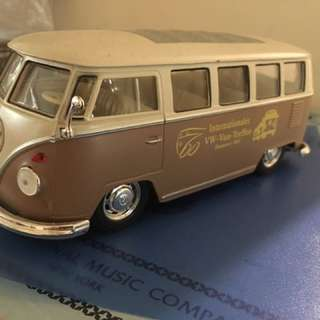 1:24 Welly Volkswagen Van