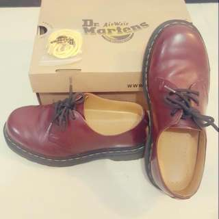 Dr Martens 1461 3 eyes cherry red full package