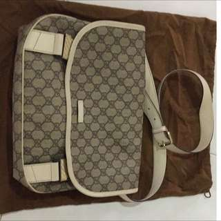 Authentic frm GUCCI KLCC Very New Condition