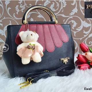 prada black&red