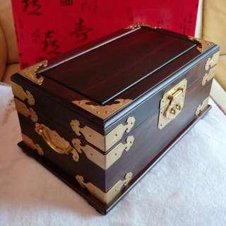 紅酸枝木首飾盒(附精美包裝盒)