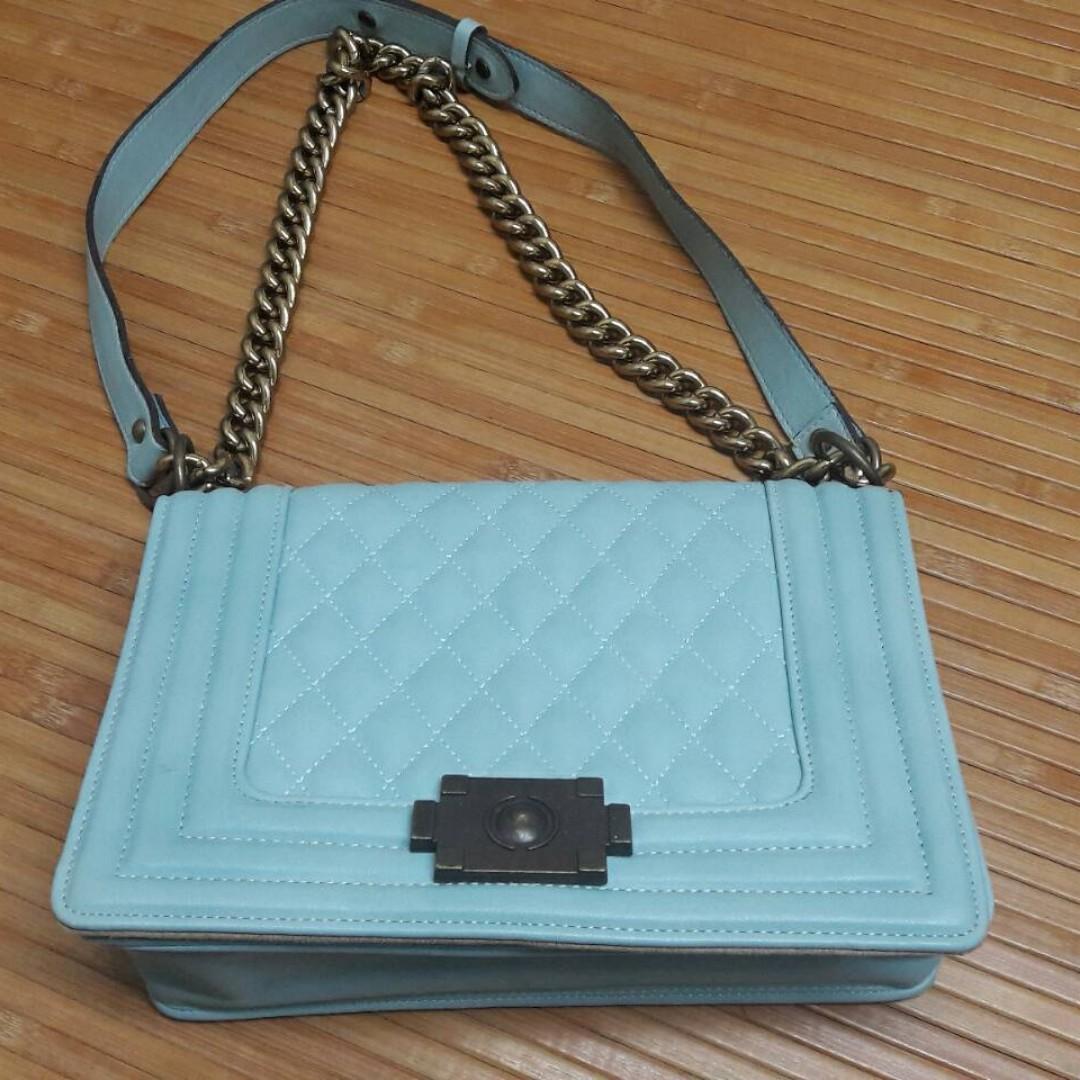 水藍色包包