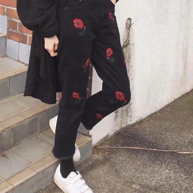 花泥小姐 花卉 刺繡 花 黑色  牛仔 長褲 寬褲 直筒褲