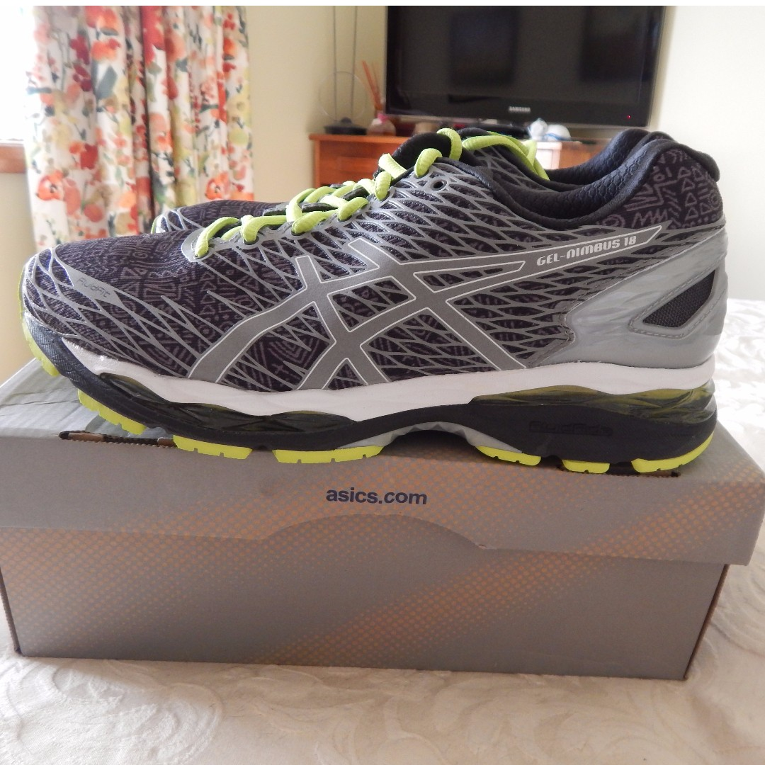 Asics Gel Nimbus 18 mens shoes, size 9.5 US, brand new in box