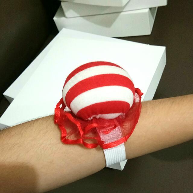 Bantalan Jarum Jahit Red White Stripe