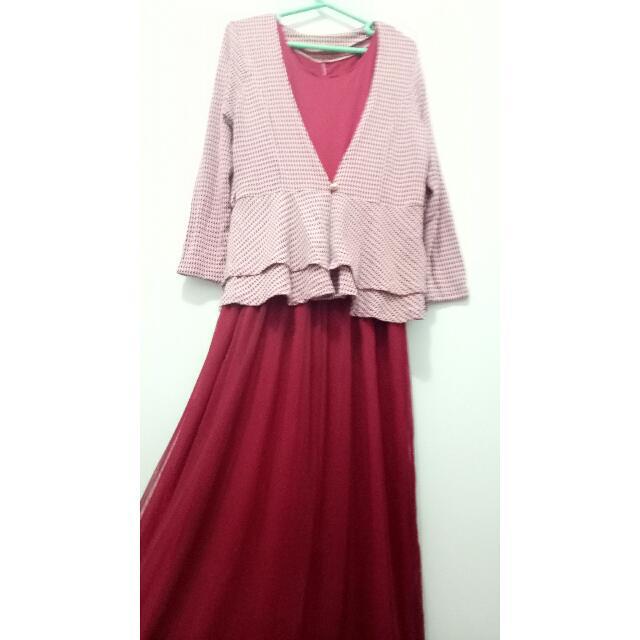 Dress muslim merah