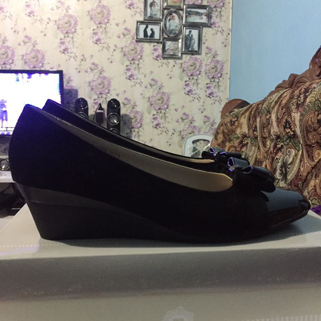 Elizabeth Shoes Wedges NEGO (reprice)