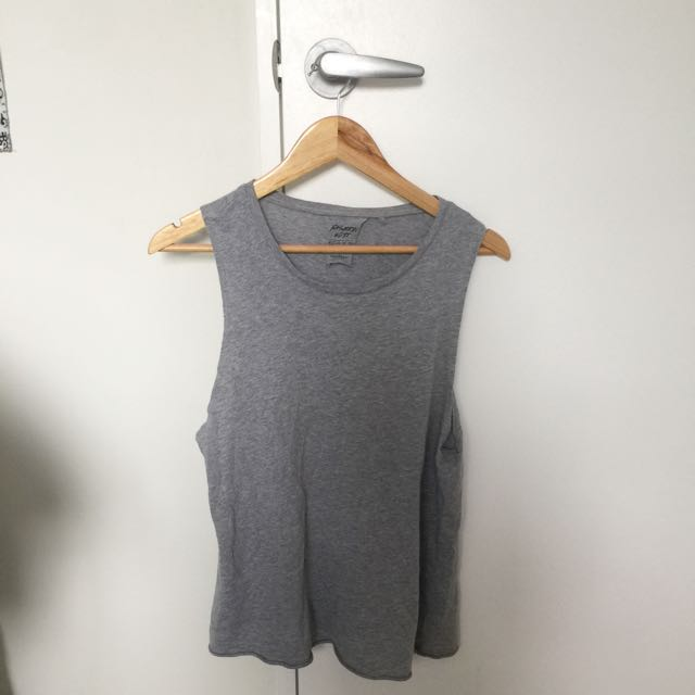 Grey 'muscle up' tee