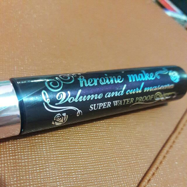 Heroine Make Volume and Curl Mascara
