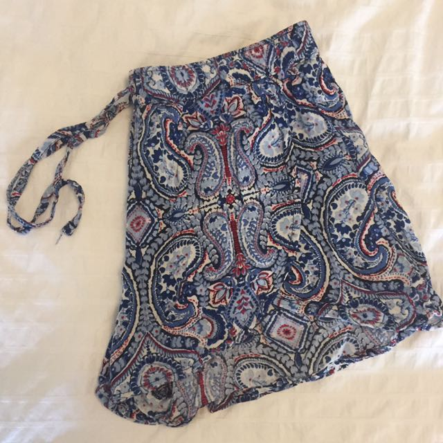 Hollister Floral Shorts