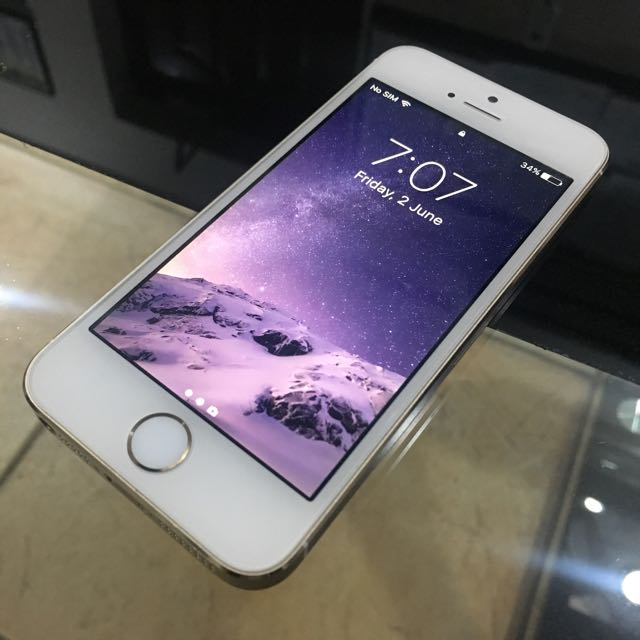 iPhone 5s 16gb Factory Unlocked RUSH
