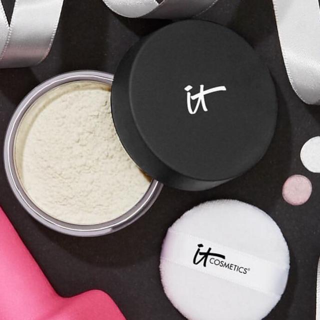 IT Cosmetics Bye Bye Pores HD Powder