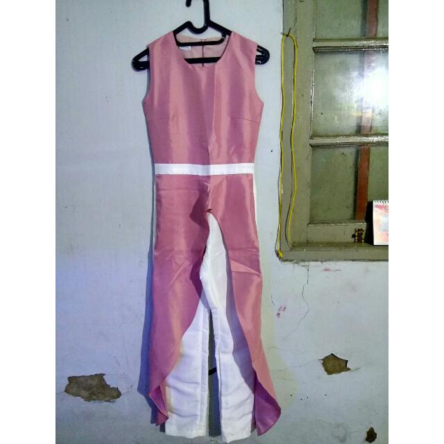 jumsuit pink putih