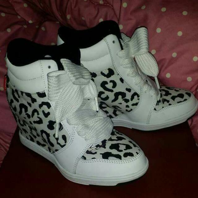 Lady Vans Shoes