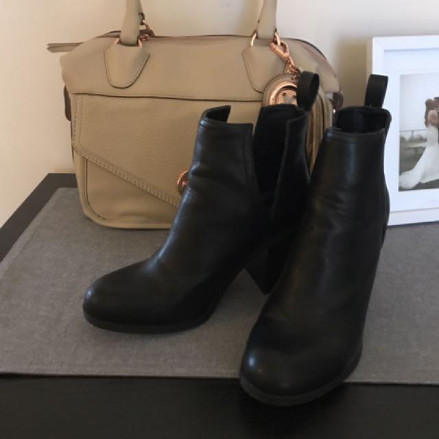 Lipstik Nerro Boot Size 7