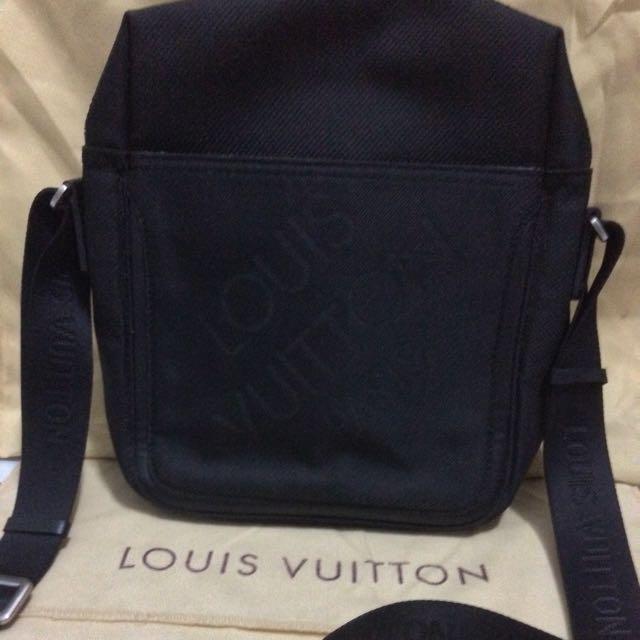 Louis Vuitton canvas black men bag