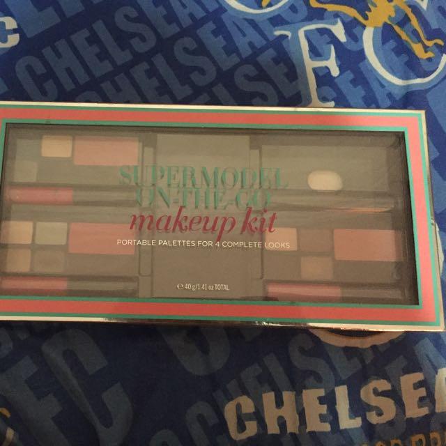 Make-up Kit Victoria Secret ORI
