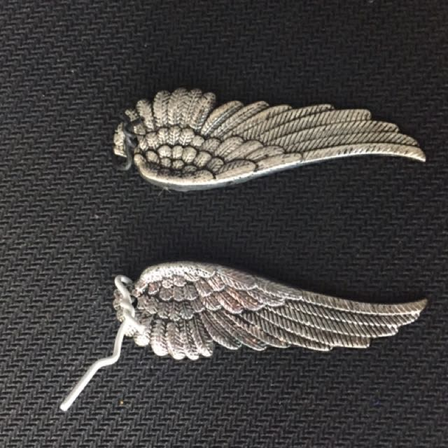 Metal Wings Pendant