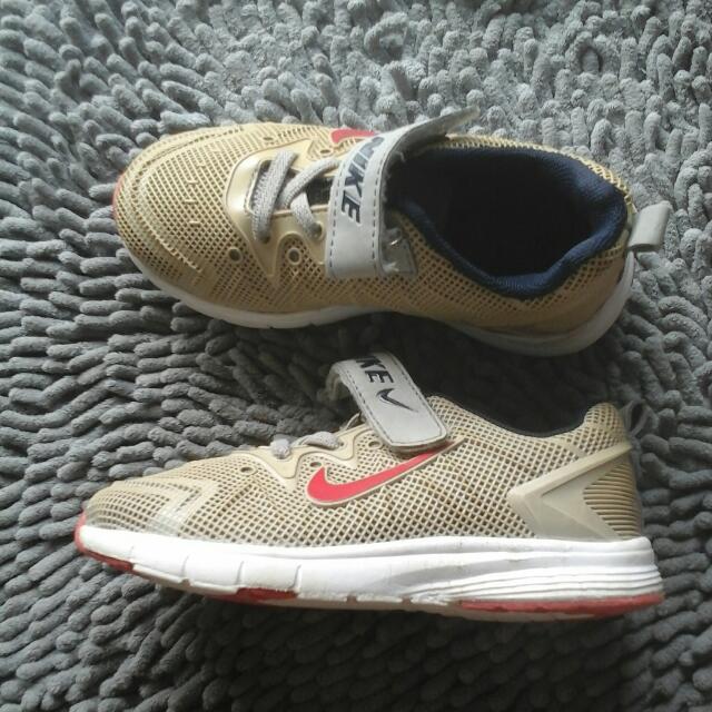 Nike sz 27
