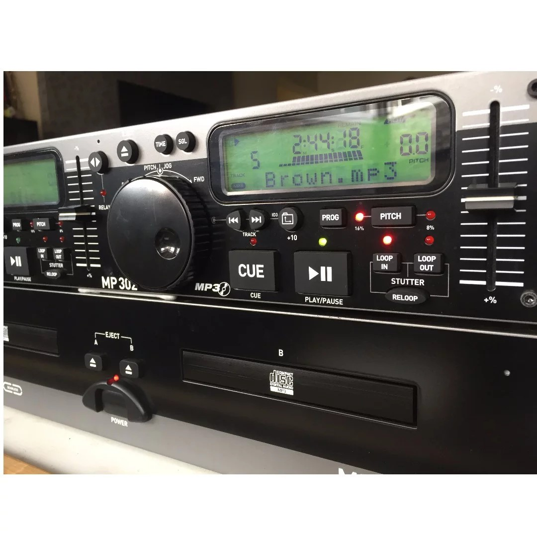Numark MP302 Rack-Mount Dual MP3/CD Player, Electronics