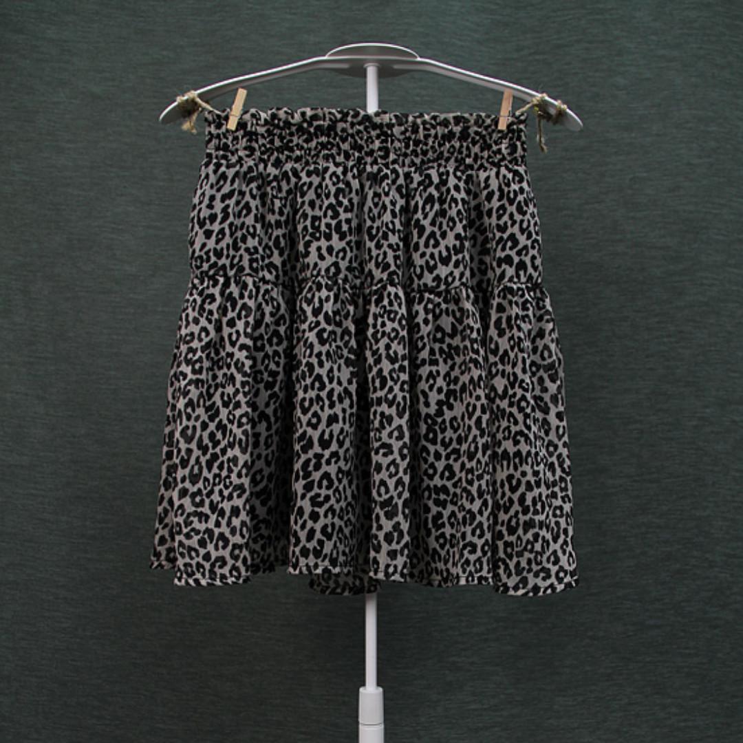 d8a7dd663 NWOT H&M/Divided Leopard Print Mini Skirt, Women's Fashion, Clothes ...