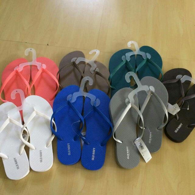 5944e6e61105 Old Navy slippers