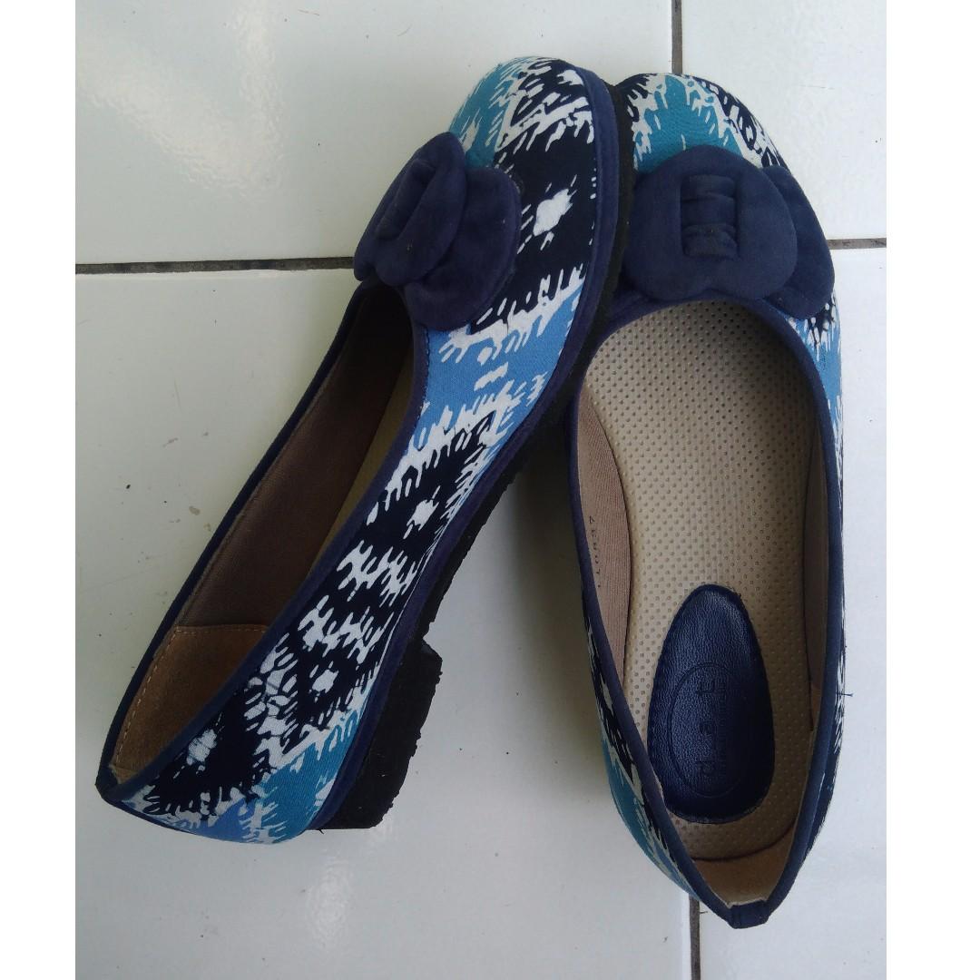 Sepatu Batik ukuran 37 cewe