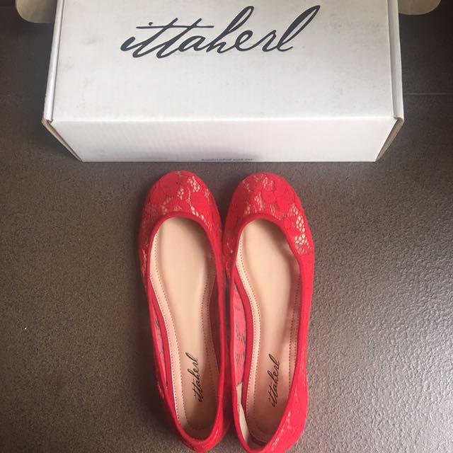 Sepatu ITTAHERL Size 40 Merah