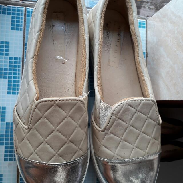 Sepatu No.brand