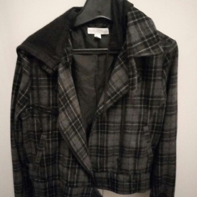 Size 10-12 Short Cropped Ripcurl Jacket