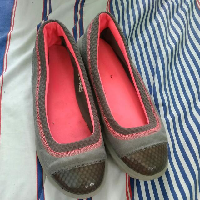 Skechers On The Go Size 8 Us