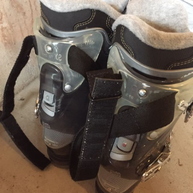 Ski Shoes Size 7 Women