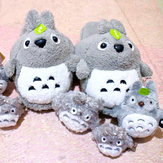 69154d1618c7 Totoro Slipper Keychain Plush Gantungan on Carousell