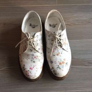 Dr. Martens Floral Sneaker Size 7