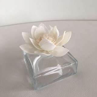 100ml WATER LILY FLOWER SCENTED DIFFUSER