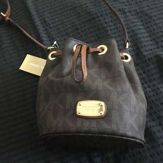 Michael Kors Jules Small Cross body Drawstring Bag
