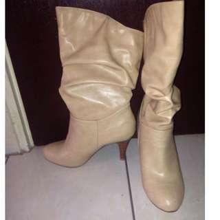 Beige cream boots
