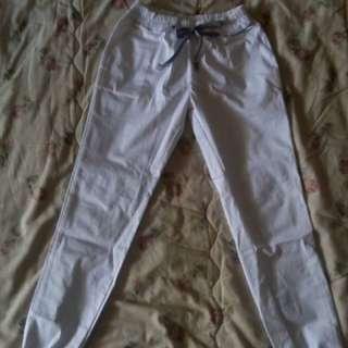 joger pants white