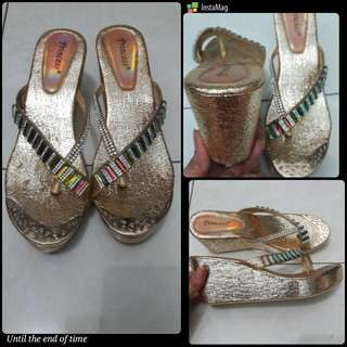 Reprice Sandal Wedges Gold