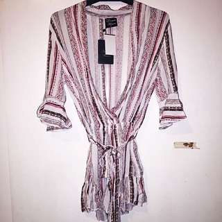 BNWT ICE Design Playsuit Size 6 (Small)