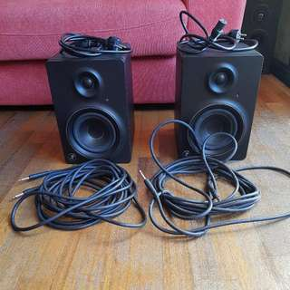 Mackie MR5mk2 5-inch studio monitor speakers