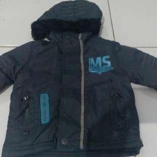 Jaket Tebal, Cocok Untuk Udara Dingin Merk J & P