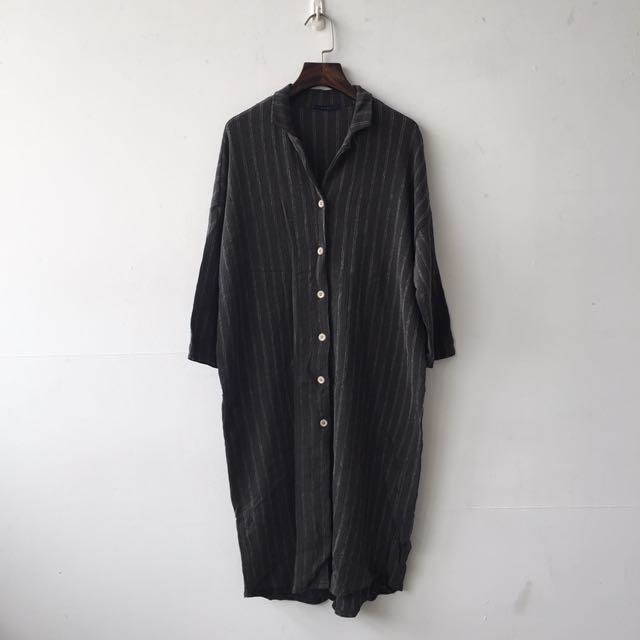 長版深灰色襯衫