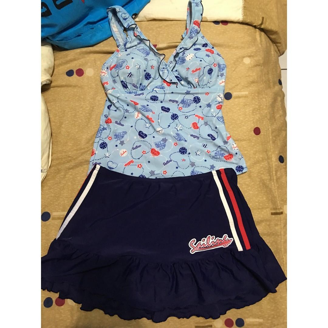 泳衣 藍色愛心 附裙子 上衣 三角褲 學生泳衣